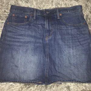 Blue Levi's Denim Skirt size 31